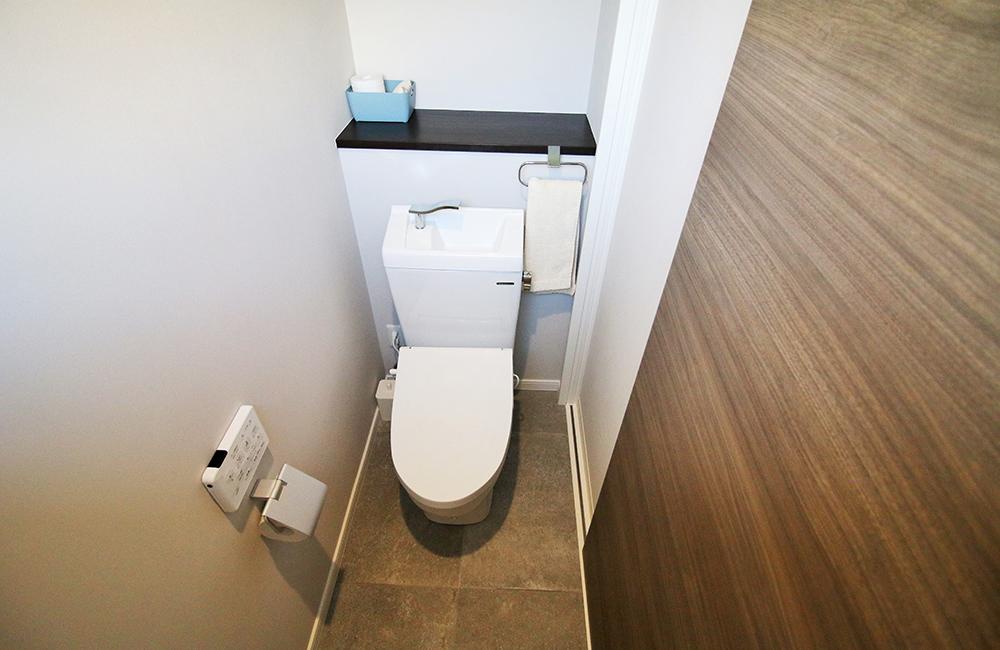 トイレ(洗浄機能付き)